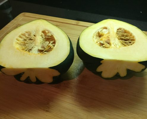 How to Cut Acorn Squash